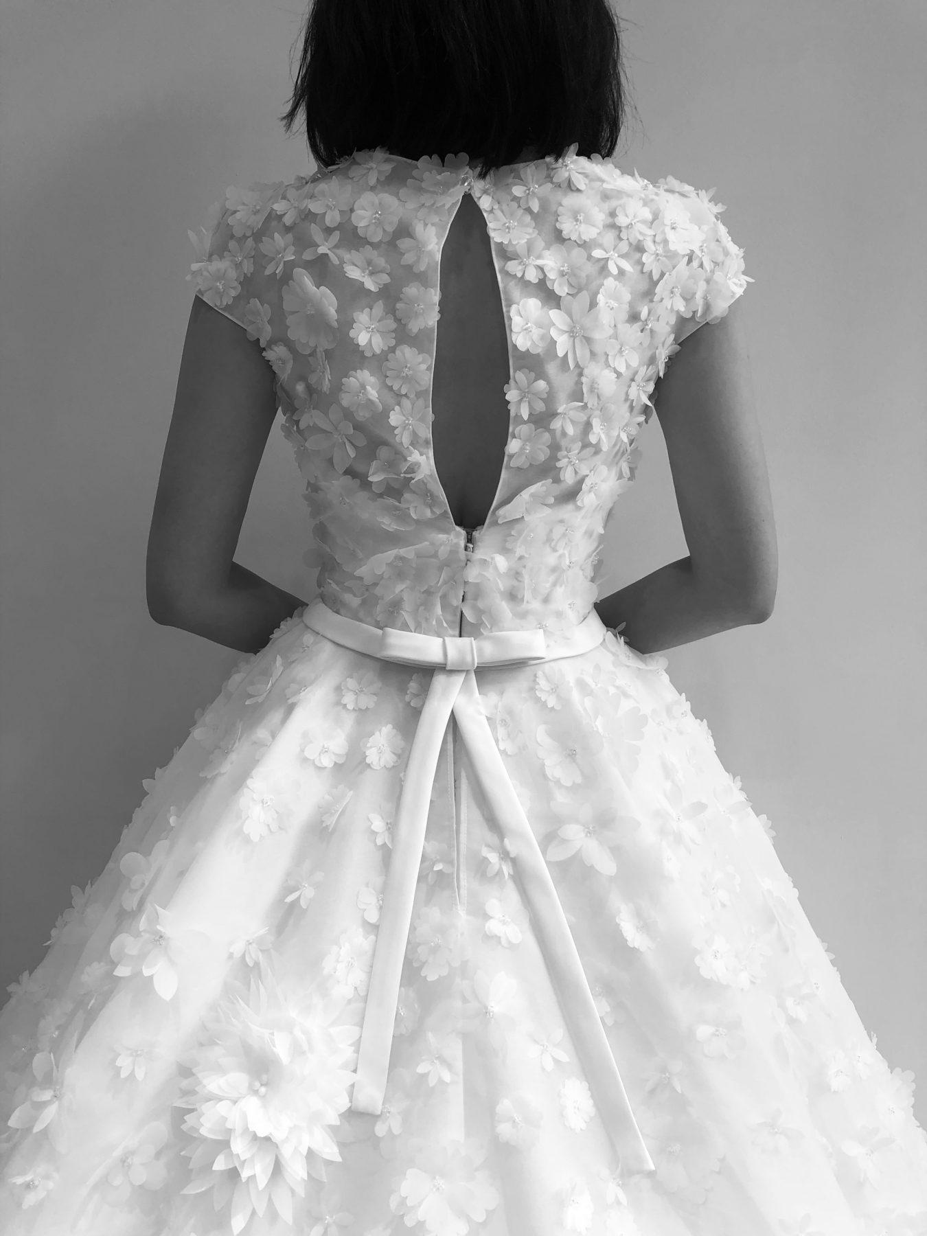 Aライン ボリューム ウェディングドレス