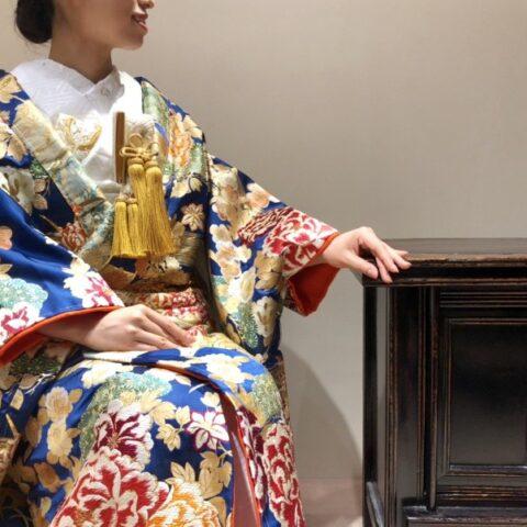トリート京都店の刺繍が美しい紺の色打掛