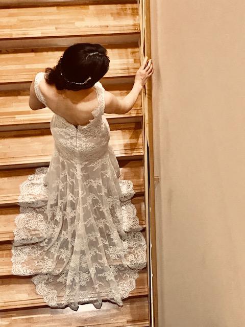 モニークルイリエの新作ドレスのコーディネートをご紹介