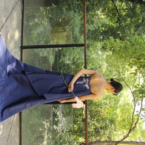 ザナンザンハウスにオススメのブルーのカラードレスのご紹介