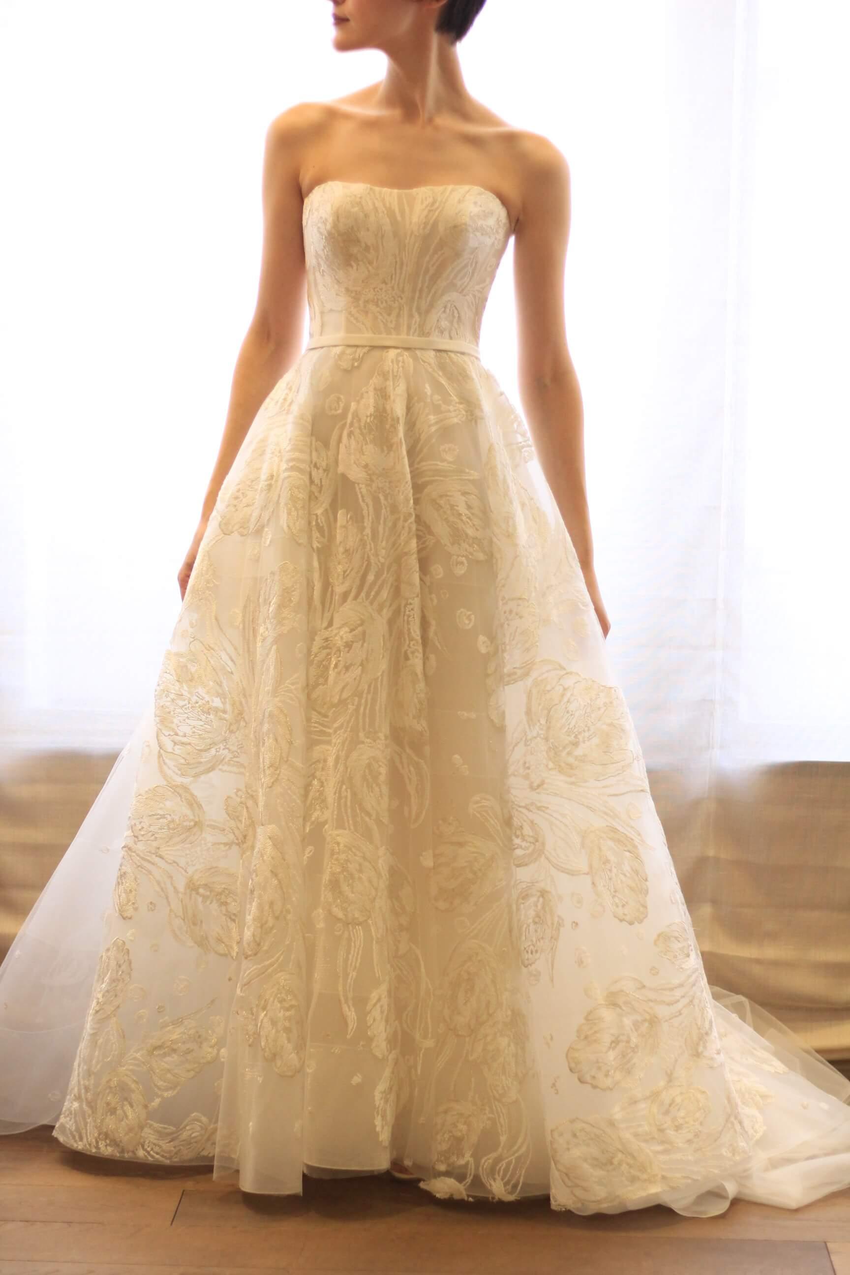 マークイングラムが手掛ける新作ドレスブランドマークイングラムマークイングラムフォーヴァレンティーニのウェディングドレス