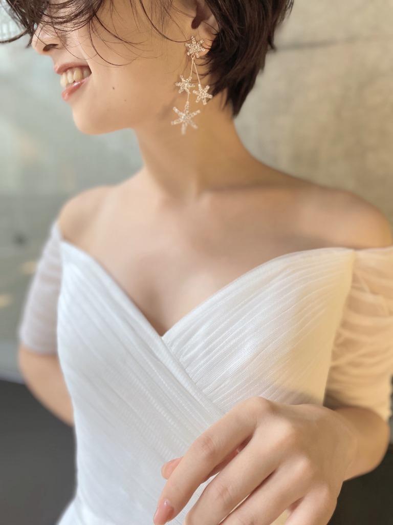 ナチュラルな結婚式に合うおしゃれな星のイヤリング