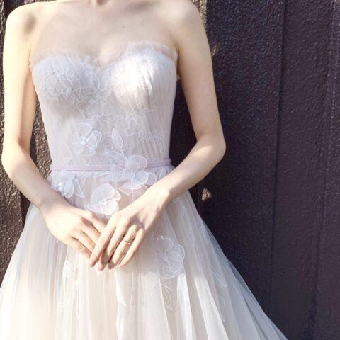 ザトリートドレッシング神戸店に新しく入荷したミラ・ズウィリンガーのウェディングドレス