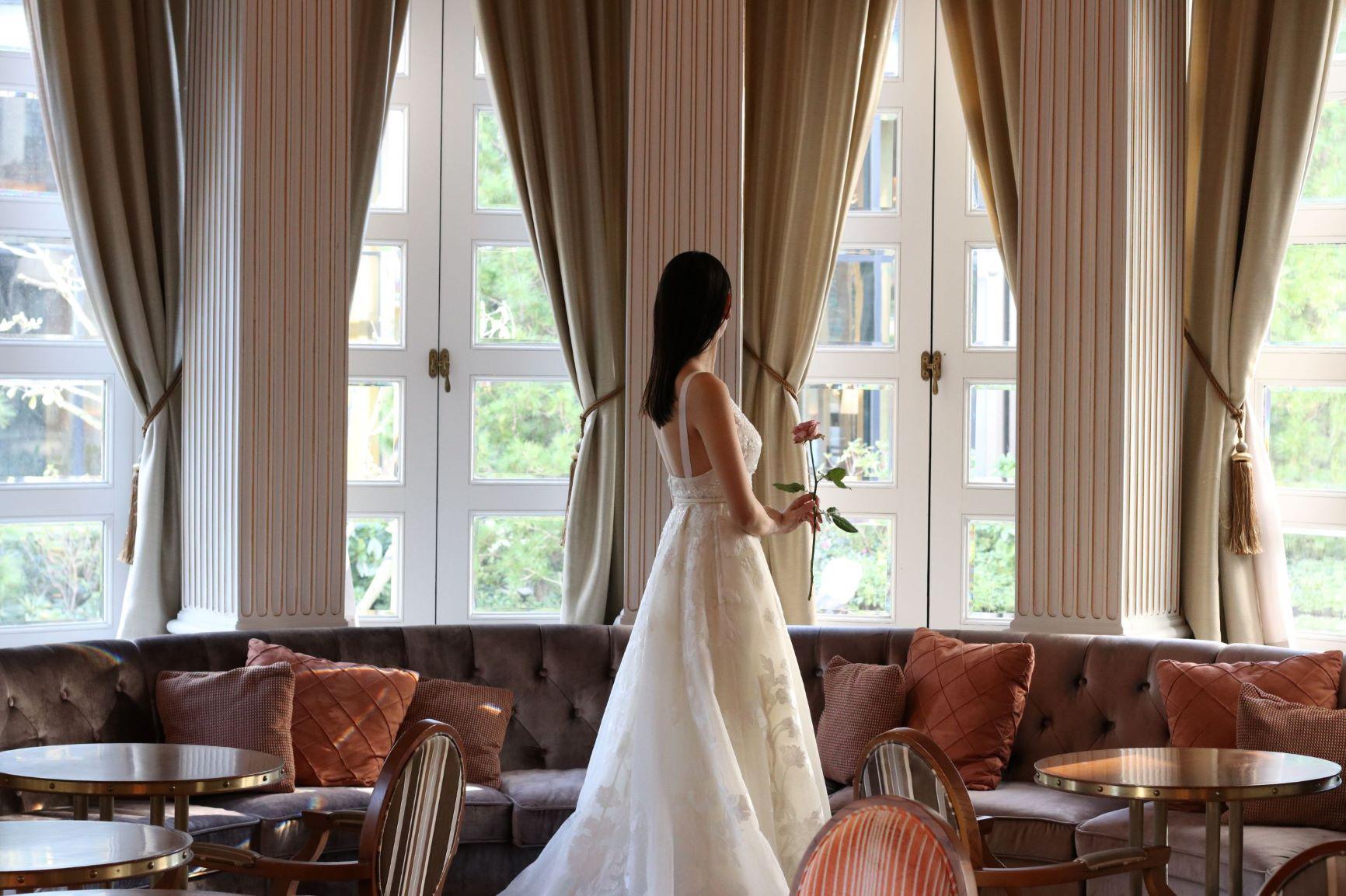 赤坂プリンスクラシックハウスのキオイカフェで行う前撮りやお式に合うドレス