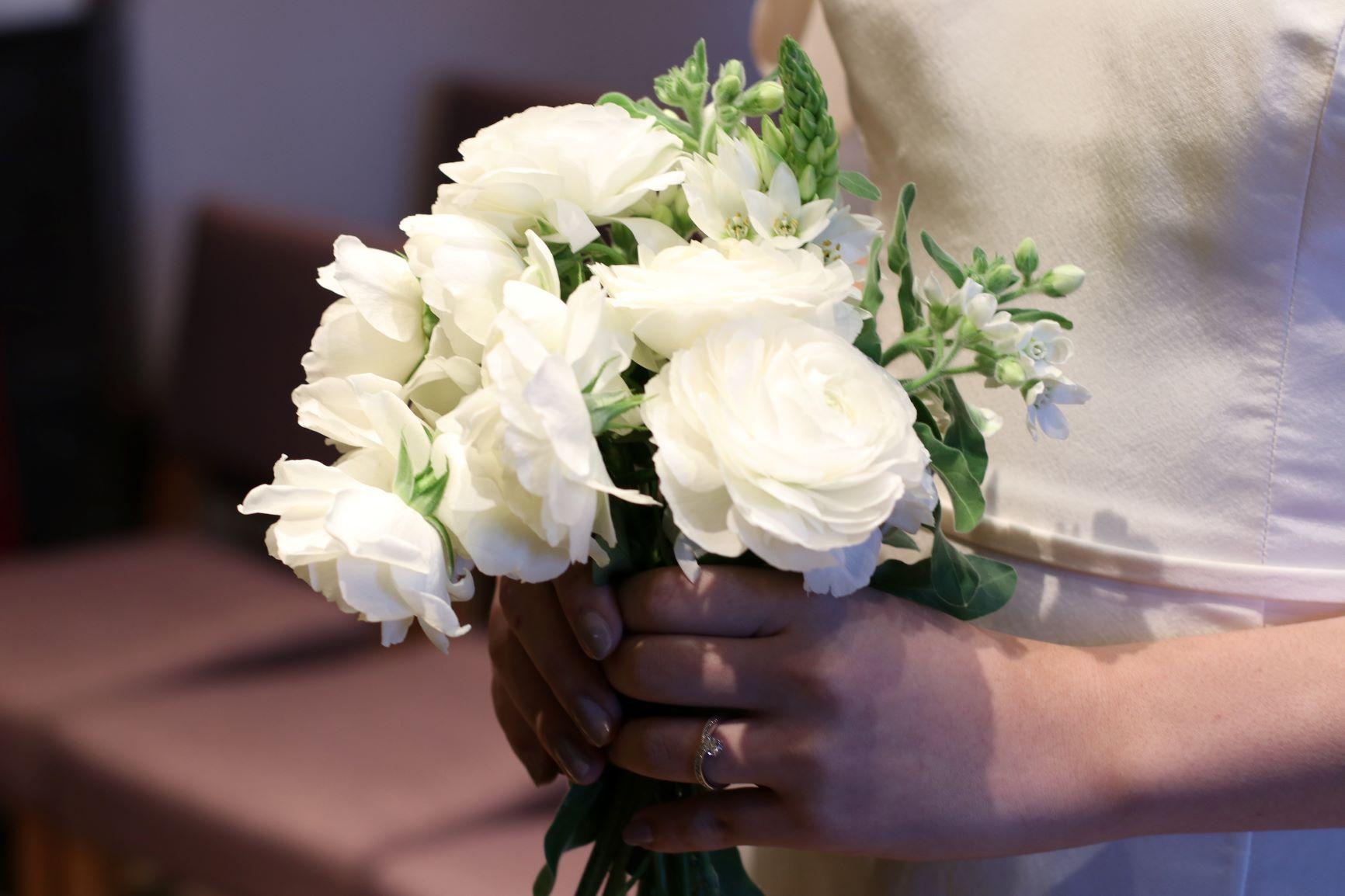 赤坂プリンスクラシックハウスの洋館の雰囲気に合うバラのブーケをトリートドレッシングからご提案