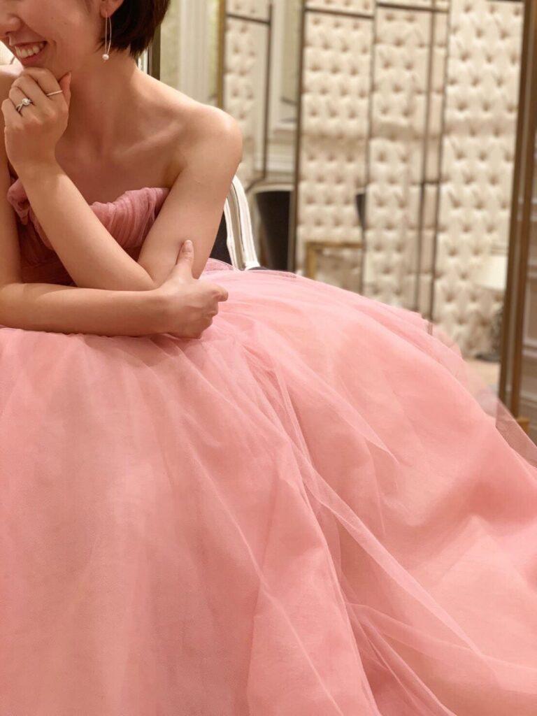 ザトリートドレッシングがお取り扱いのモニーク・ルイリエのピンクのカラードレス