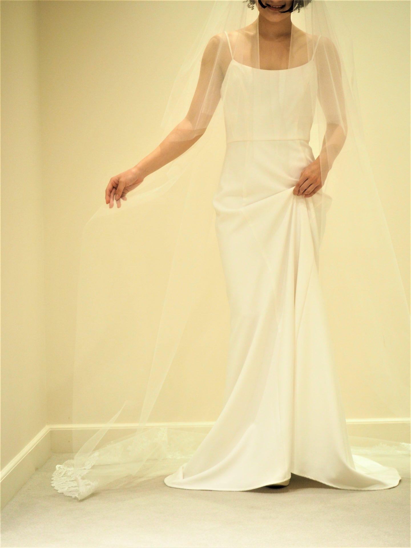オシャレな花嫁様に人気のトリートドレッシングのアムサーラ新作ドレスに合わせるレースベール