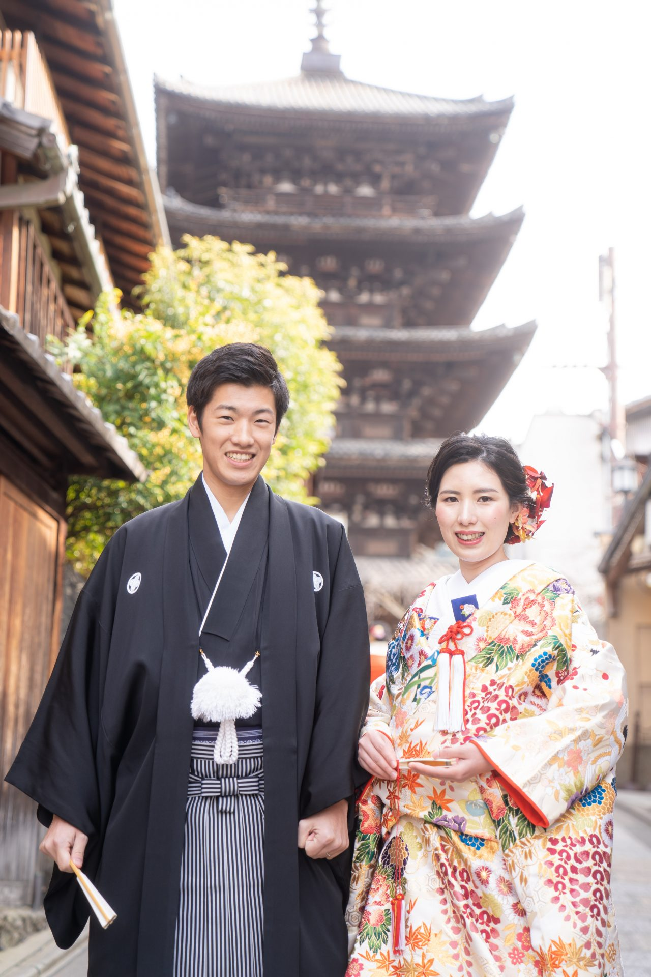 京都東山の八坂の塔の前で色打掛を着て撮影が出来るSODOHの前撮り