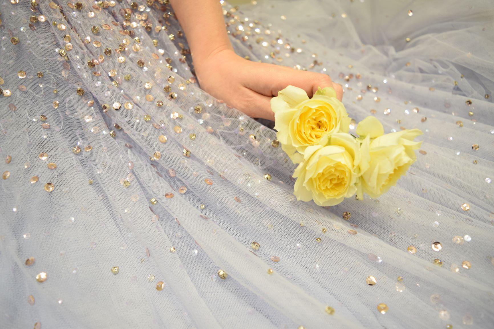 優しい雰囲気を演出するパステルカラーのカラードレスは、東京の人気ドレスショップザ・トリートドレッシングでご用意しています
