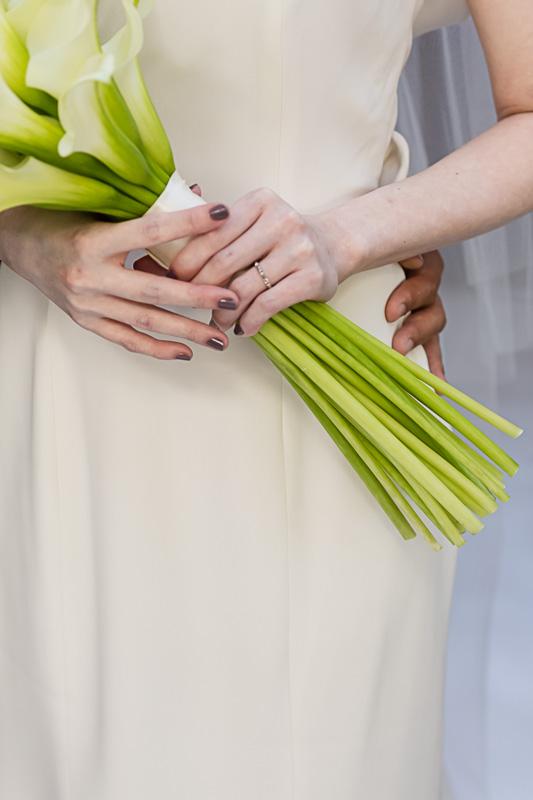 アントリオドレスをお召になられたご新婦様のコーディネート