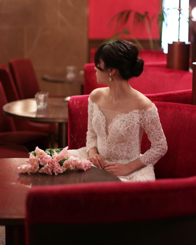 ザトリートドレッシング名古屋店の提携の結婚式場ザコンダーハウスにおすすめの総レースのウェディングドレス