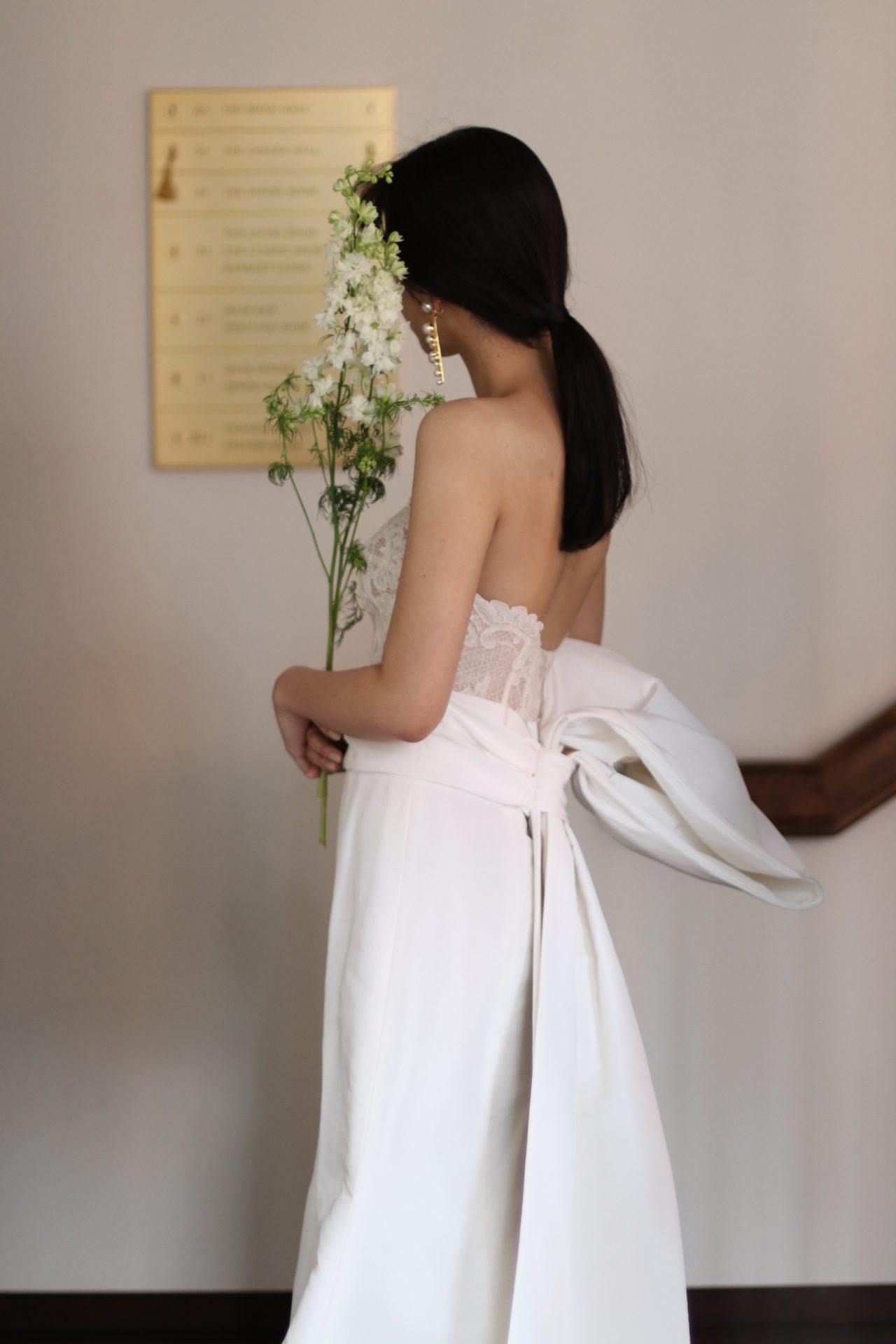 ザトリートドレッシング名古屋店の提携の結婚式場ザコンダーハウスにおすすめのオスカーデラレンタのマーメイドラインのウェディングドレス