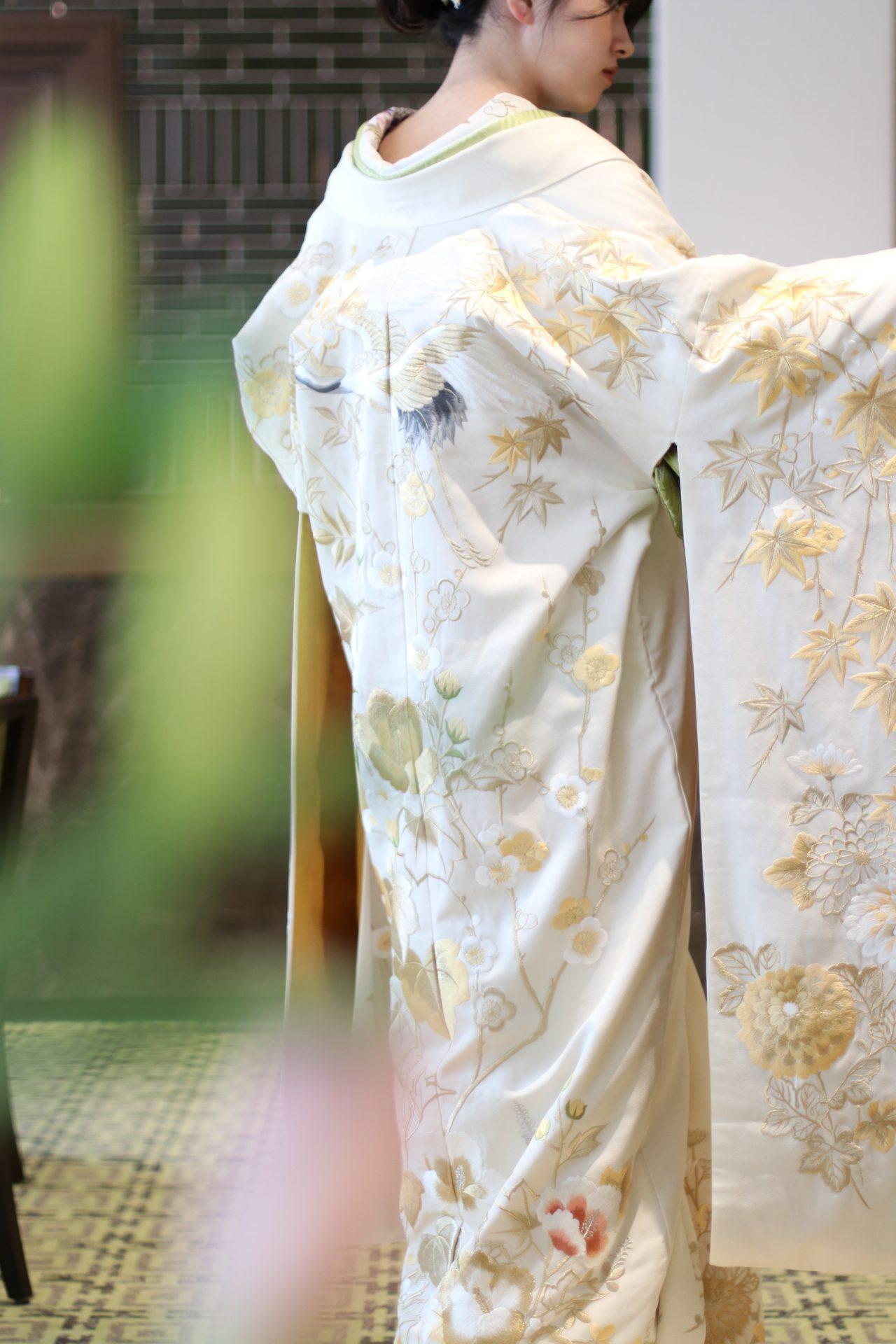 ザトリートドレッシング名古屋店の白地に金糸の新作の色打掛