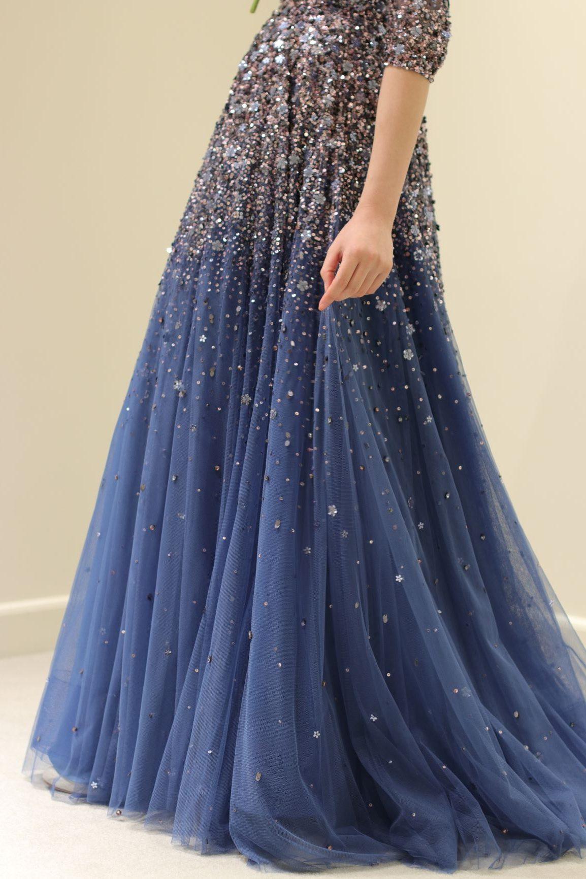 都内のホテルウエディングや、ガーデンウェディングにもおすすめなキラキラのビジューが特徴的なジェニーパッカムのAラインのドレスをご紹介