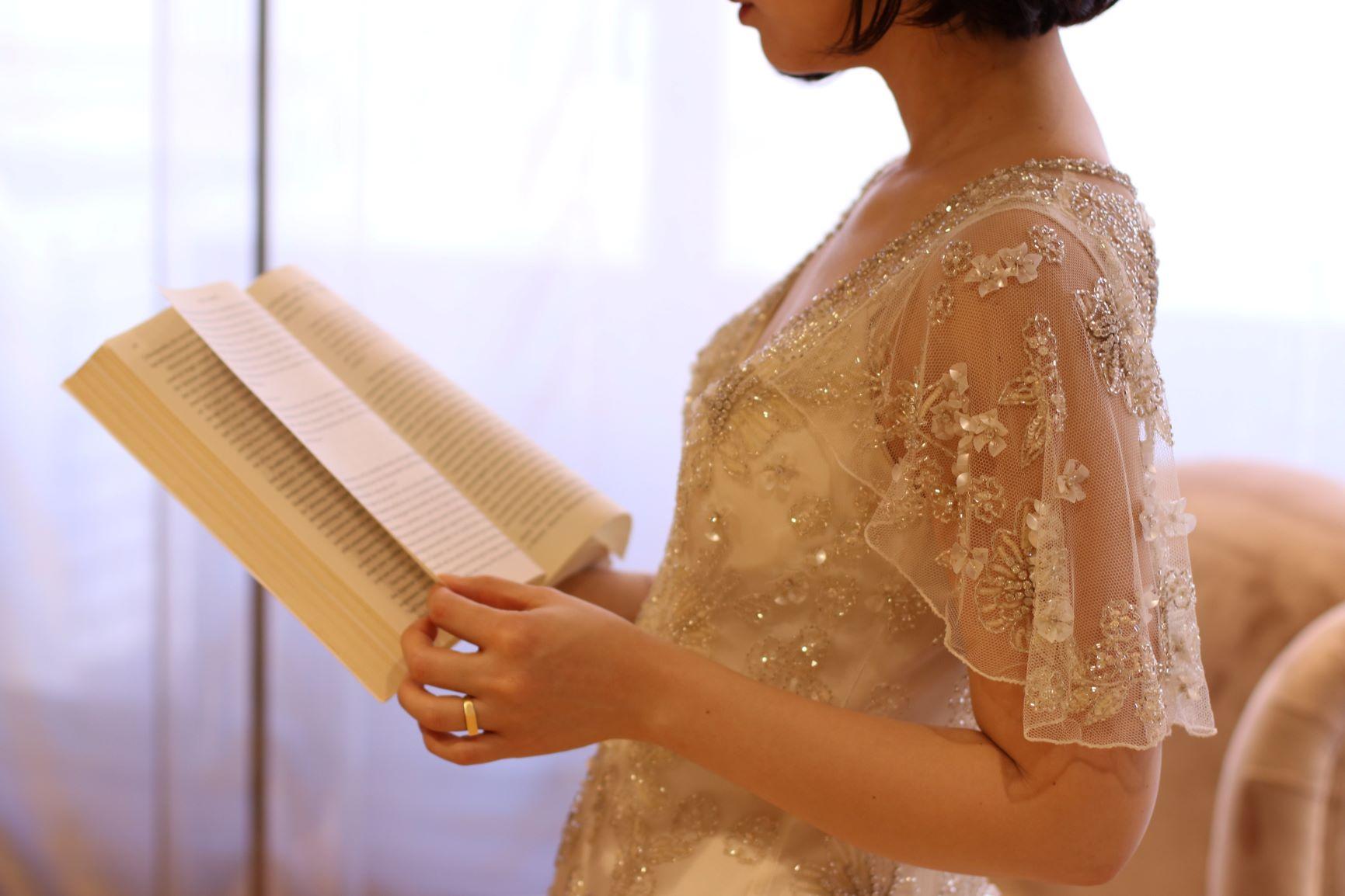 海外映画のようなビンテージ感あふれるお洒落なドレスは、お色直しの1着としてもご提案したいTHETREATDRESSINGのインポートドレスです