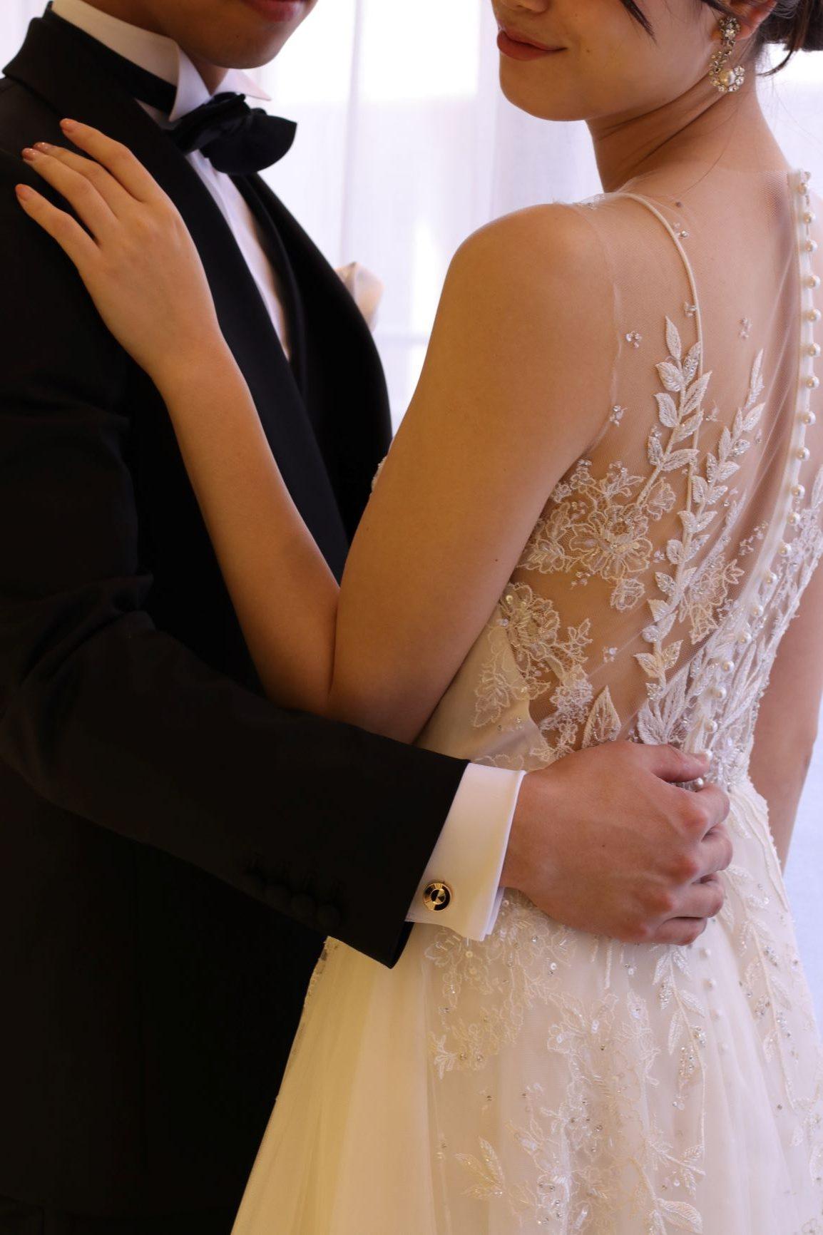 東京表参道のドレスショップ、ザ・トリート・ドレッシング アディション店では新婦様のウェディングドレスや結婚式場、お二人のテーマに合わせた新郎様のタキシードのレンタル、購入、オーダーが可能です