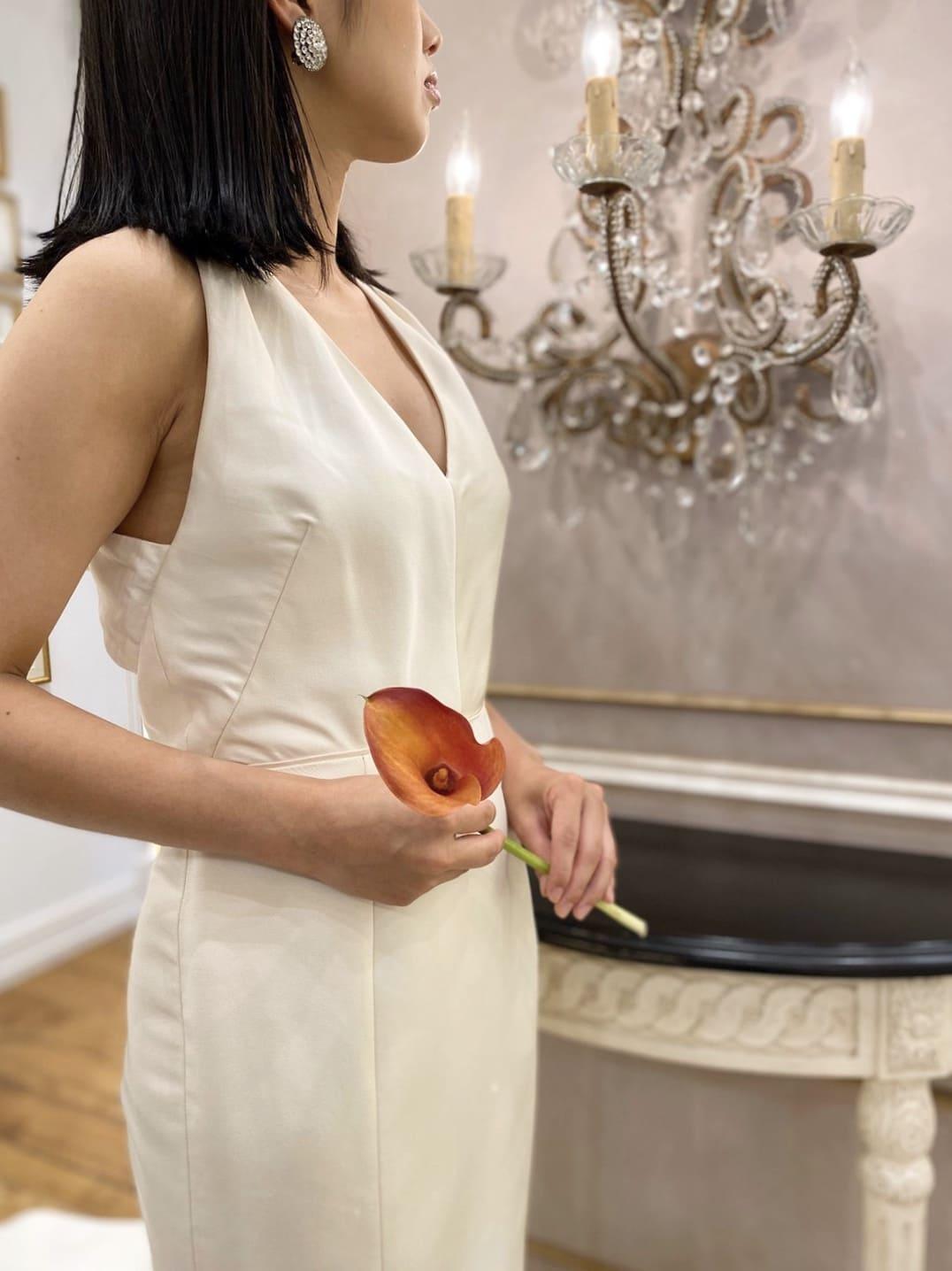 ホルターネックのデザインのマルケ―ザのインポートのウエディングドレス