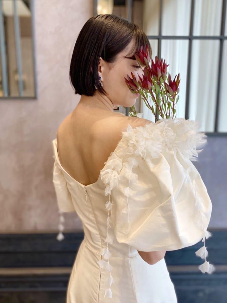 大きなパフスリーブがアイキャッチーなマルケ―ザのウエディングドレス