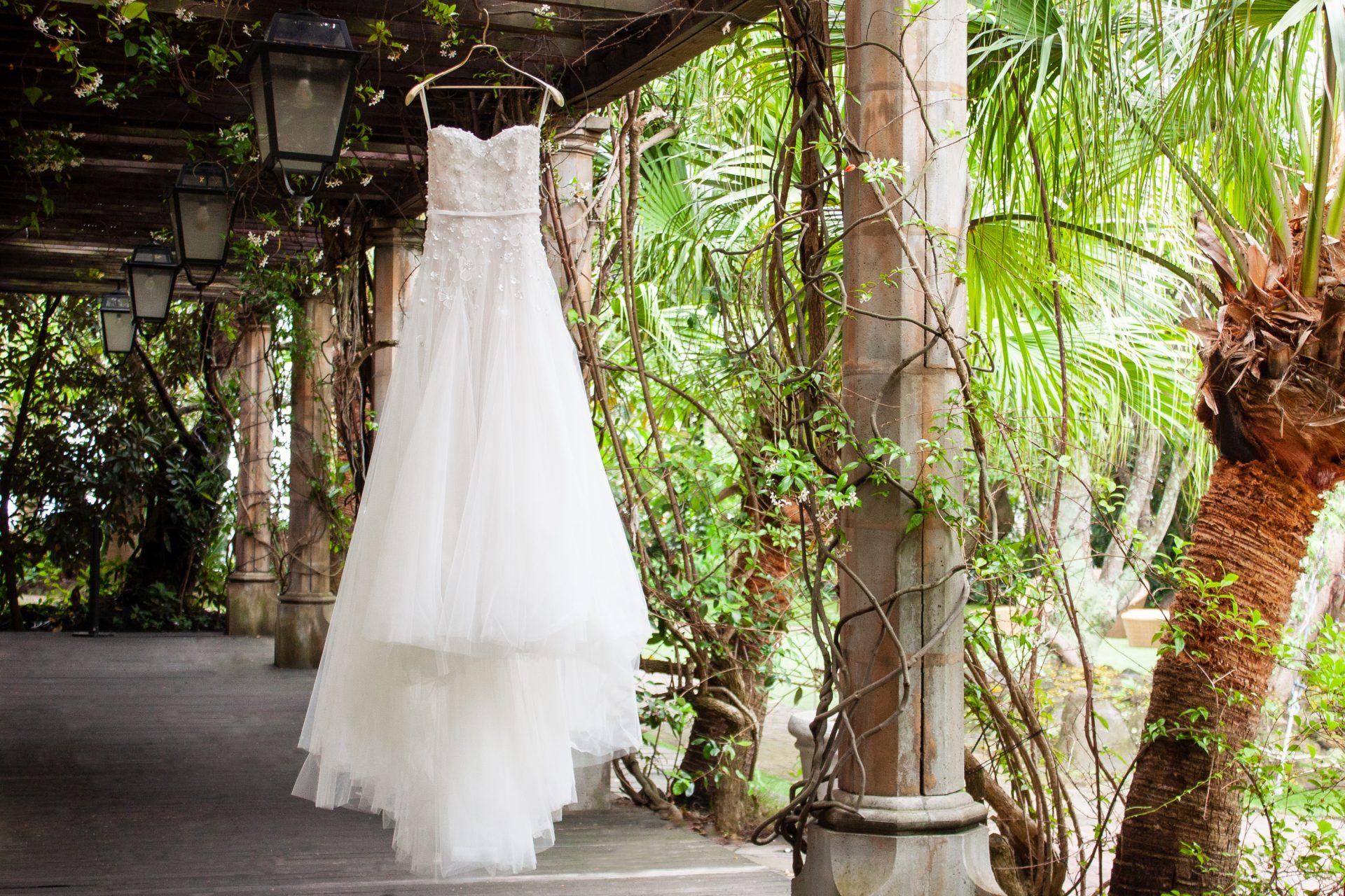 ザ・トリート・ドレッシングの提携会場ザ・ルイガンズにぴったりなミラ・ズウィリンガーのAラインのウェディングドレスはサマーウェディングやガーデンウェディングにぴったり