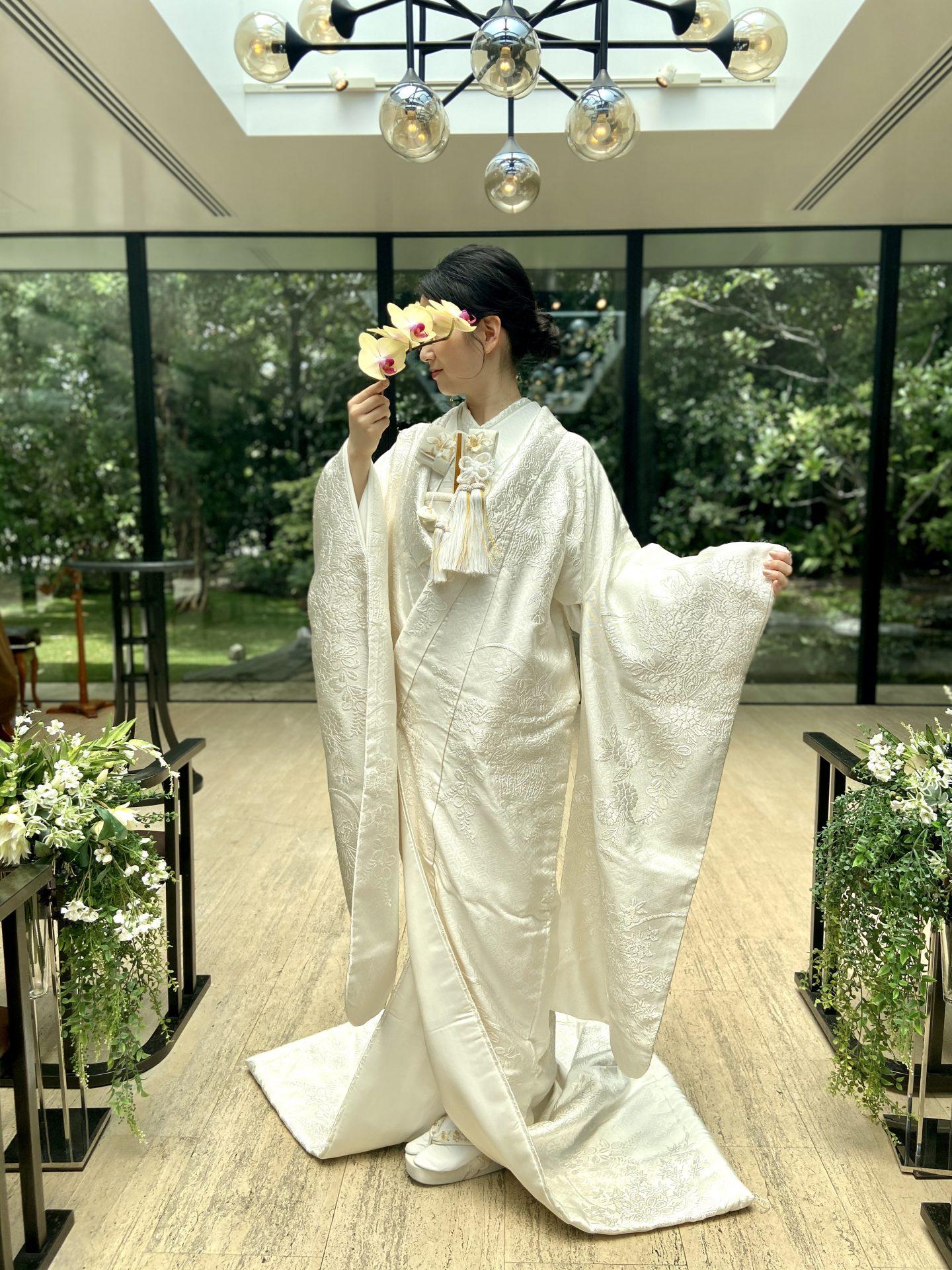 ザ・ガーデン・オリエンタル・オオサカのMUSIC HALLで白無垢をお召いただき、凛とした印象で挙式を挙げられるご新婦様