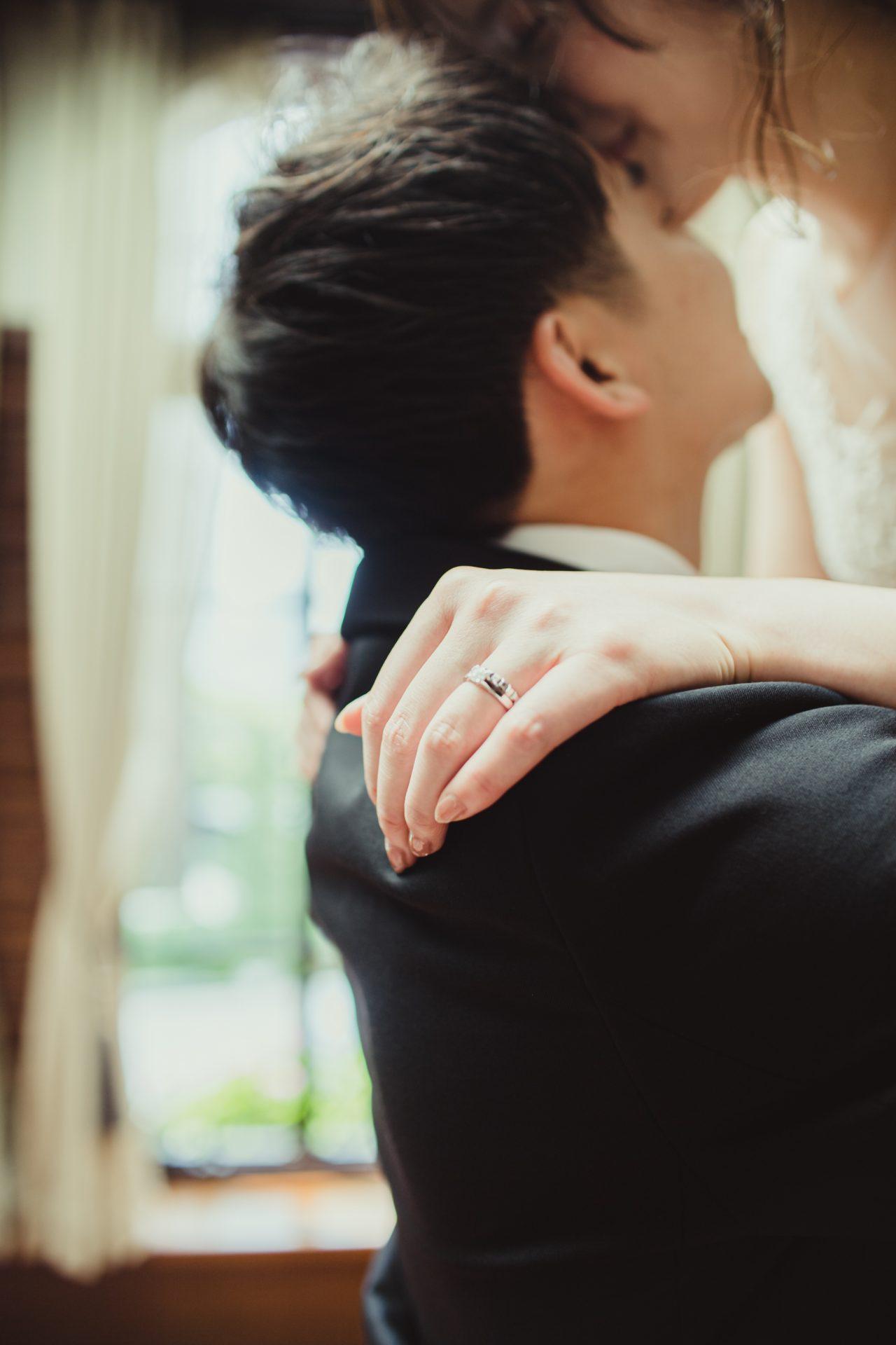 ご新郎様とご新婦様のお二人らしいお写真を残していただける結婚式前に行う前撮りも、ドレスショップ ザ・トリート・ドレッシングでは海外のトップブランドのウェディングドレスをご紹介させていただくことができます