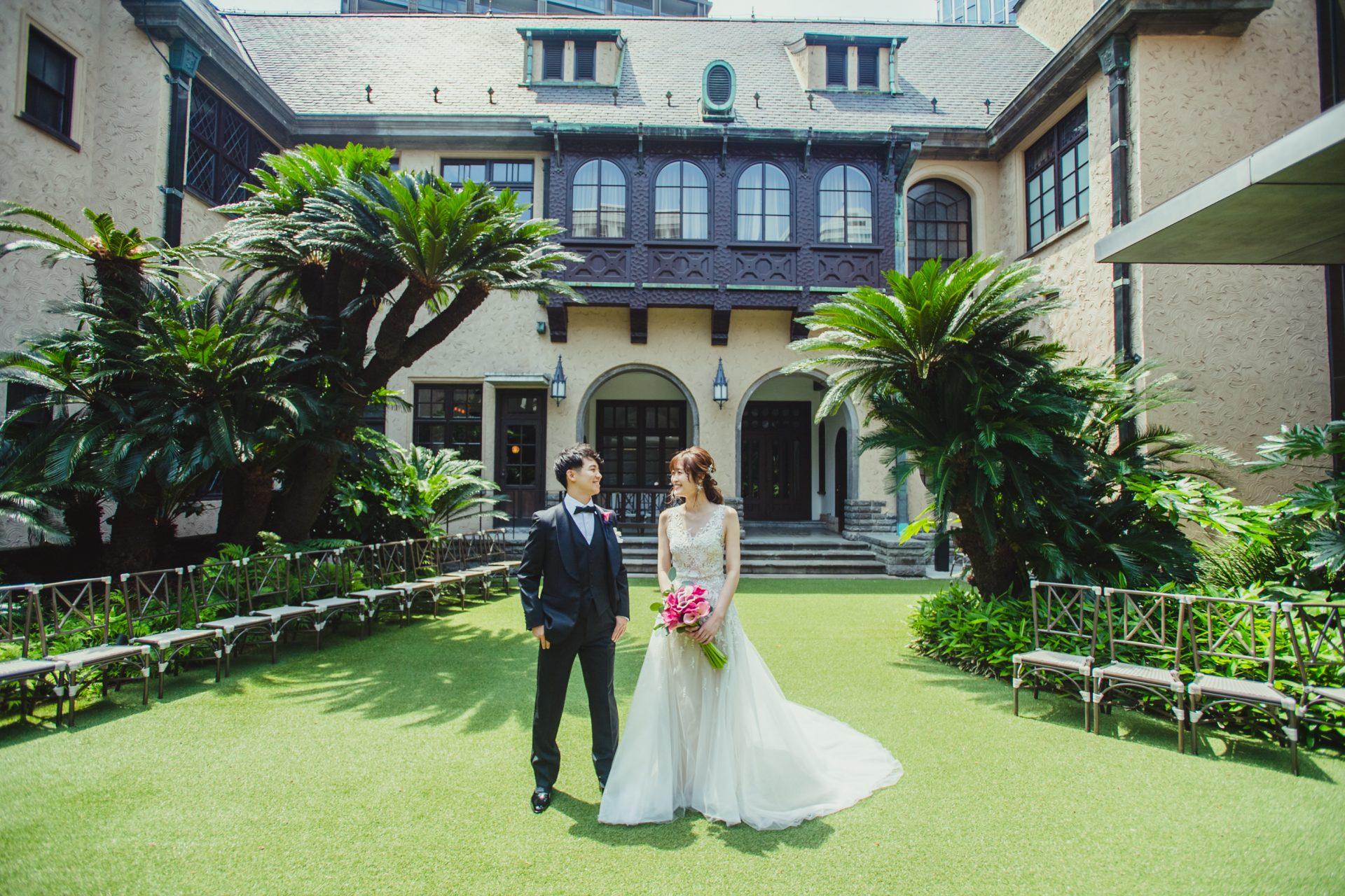 東京の結婚式場赤坂プリンスクラシックハウスには芝生の美しいプライベートガーデンがあり、太陽の日差しをたっぷりと浴びながら行うガーデンウェディングもアットホームな雰囲気で大変人気となっています