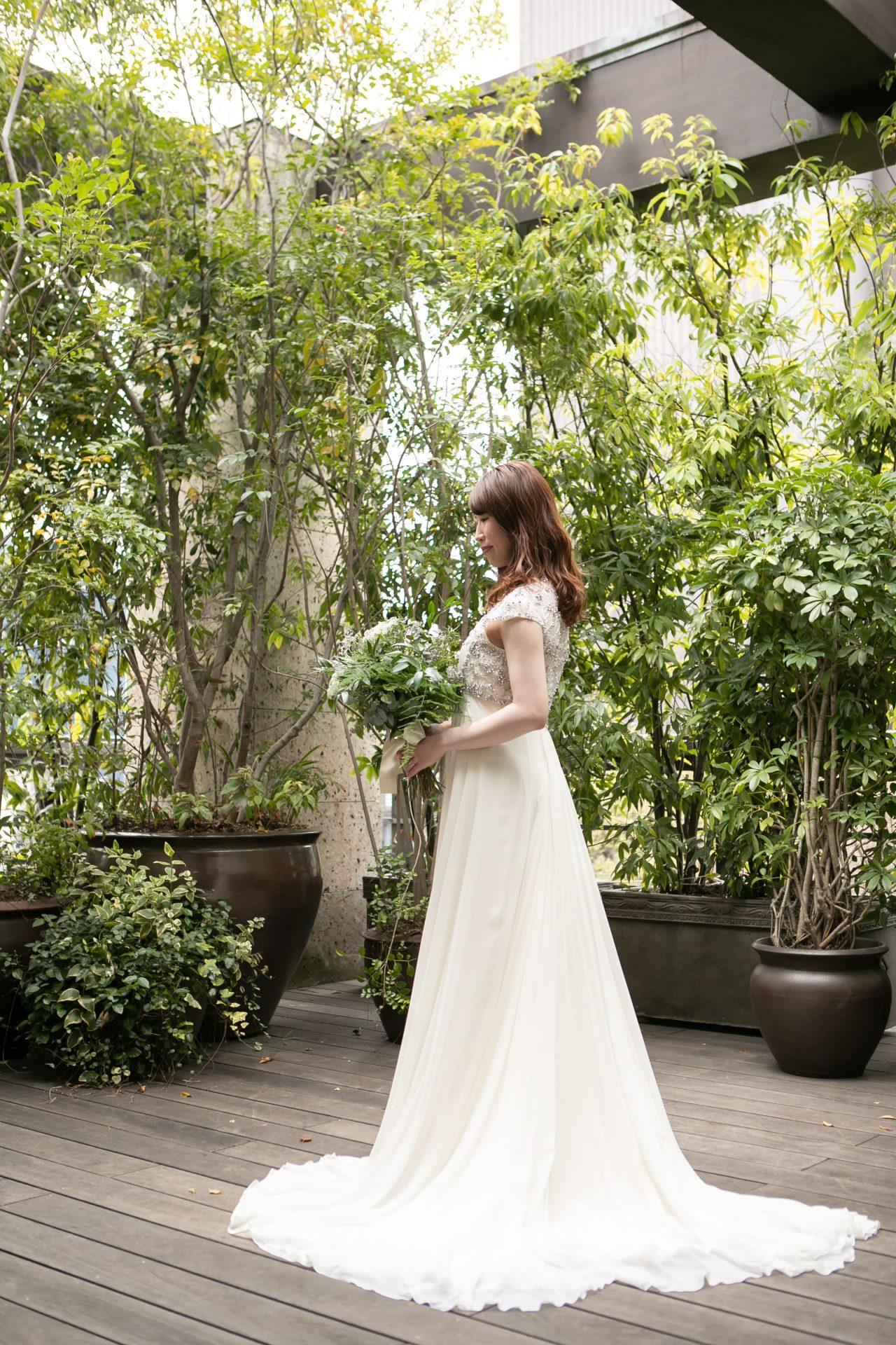 ザ・カワブンナゴヤにてお式をされる花嫁様におすすめのビジューが綺麗なジェニーパッカムのAラインのウエディングドレス