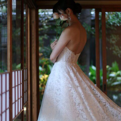トリートドレッシング名古屋店が料亭河文でお式や前撮りをされる花嫁様におすすめする総レースのウエディングドレス