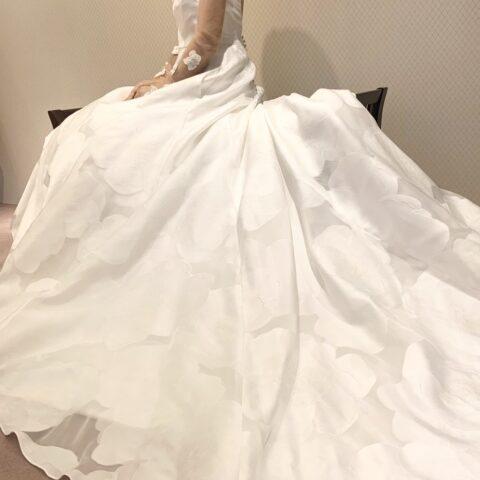 ザ・トリートドレッシングからレラローズの新作ドレスのご紹介