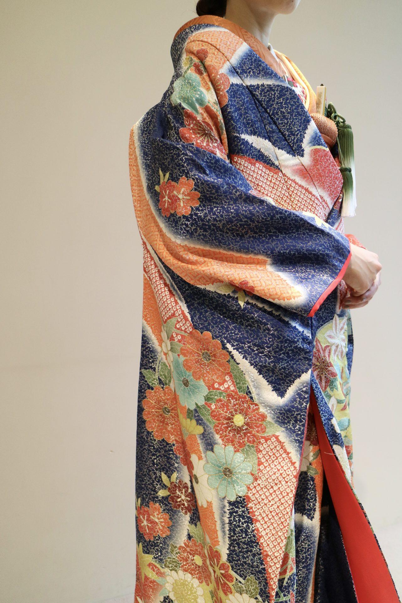 京都の和モダンな結婚式会場や日本庭園に合う色打掛のコーディネートのご紹介