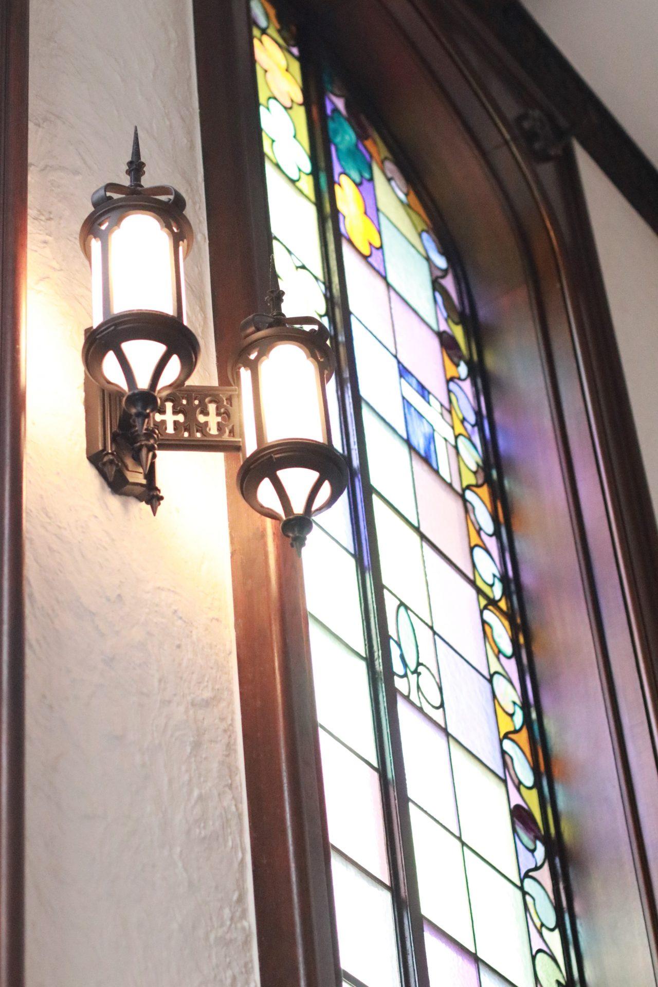 永田町にある赤坂プリンスクラシックハウスのステンドガラスは、赤坂プリンスホテル旧館として建てられた当時から残り続ける有形文化財のひとつです
