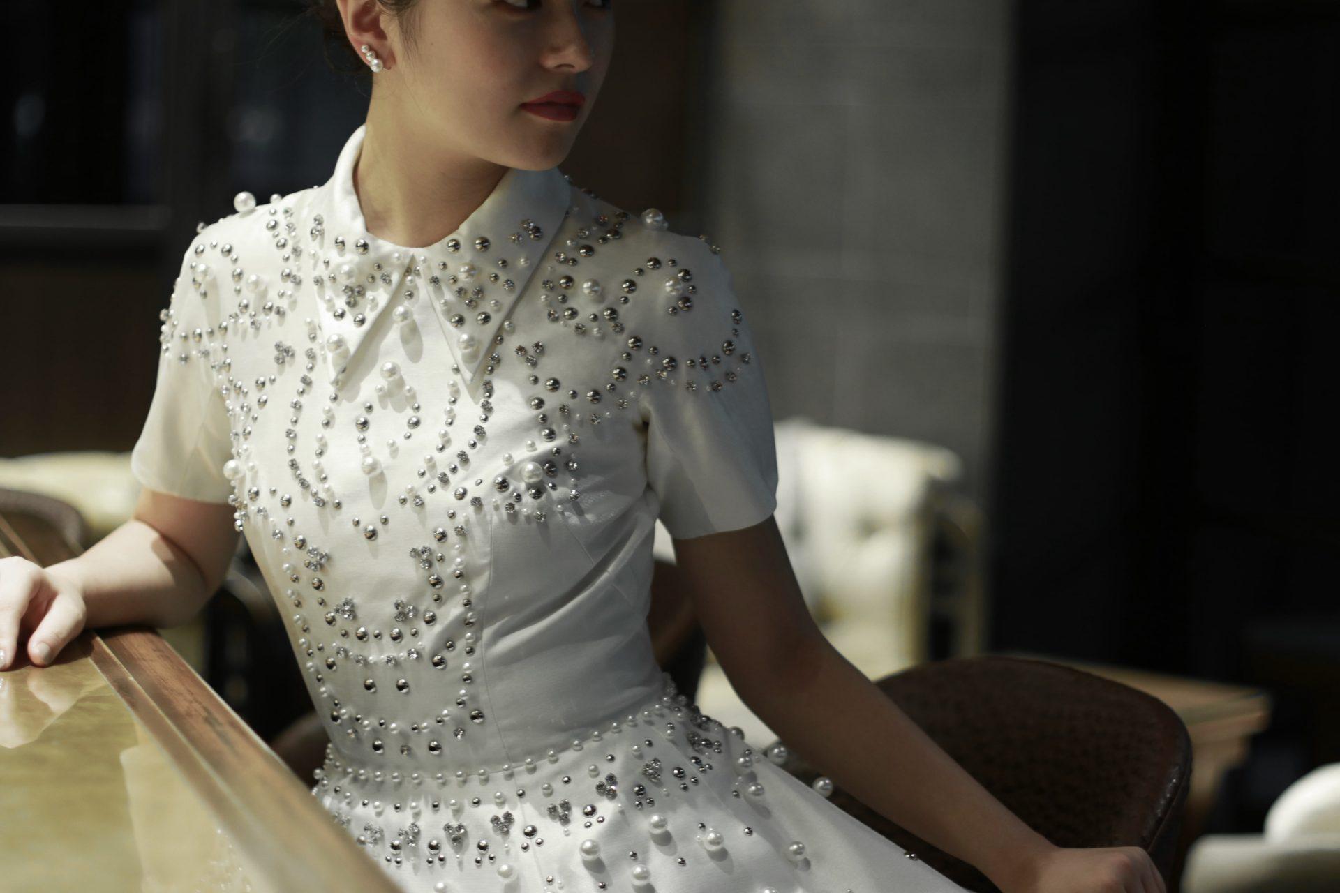 モードでスタイリッシュな花嫁様におすすめのヴィクター アンド ロルフ マリアージュのウェディングドレス