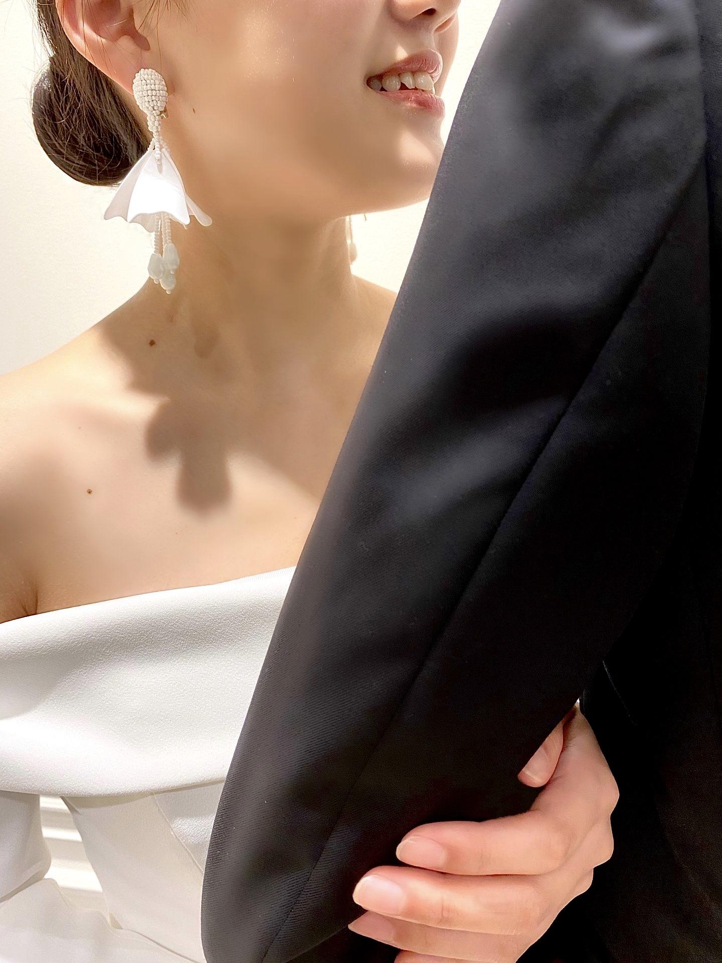 京都エリアでご結婚式をお考えのプレ花嫁様にご紹介したい存在感のあるザトリートドレッシングで人気なイヤリング