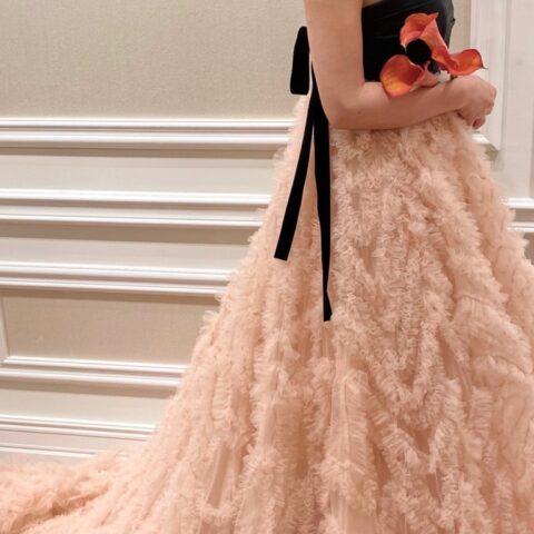 オリエンタルホテル神戸でお式を挙げられる花嫁様におすすめのフェミニンなピンクのカラードレス