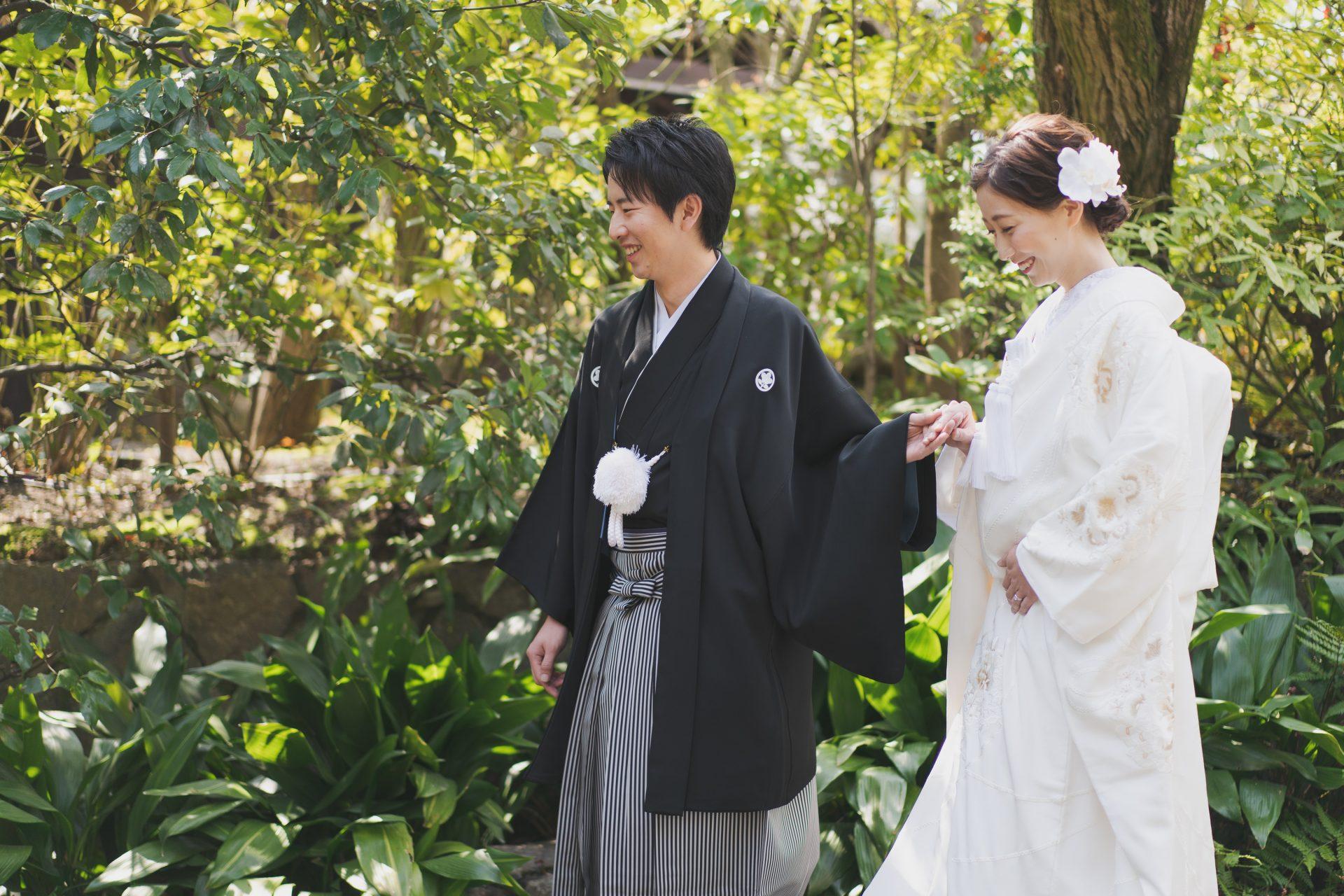 ザトリートドレッシングの上品な白無垢を着用された和モダンな京都の結婚式会場THE SODOH HIGASHIYAMAでの和装前撮り