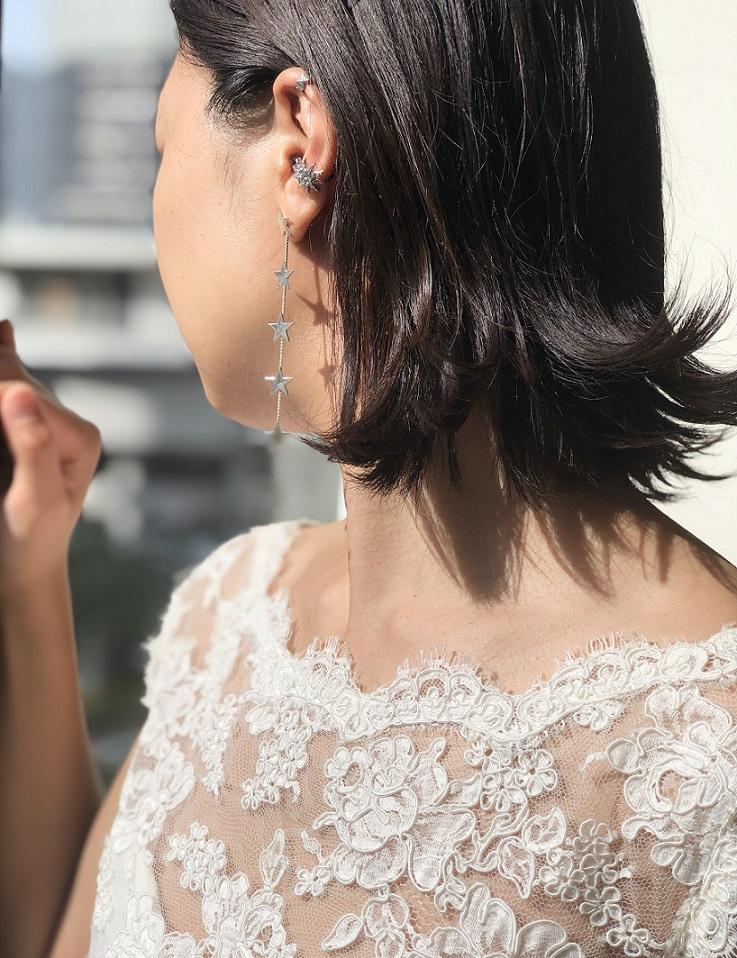 レンタルウェディングドレスにはバーニーズニューヨーク横浜店でも人気のシルバーアクササリーをコーディネートするのがおすすめ
