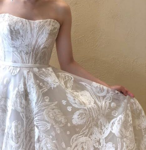 新作ウェディングドレス