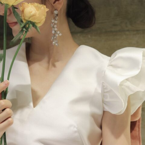 Vネックの新作のブランドのハーフペニー・ロンドンのウェディングドレス