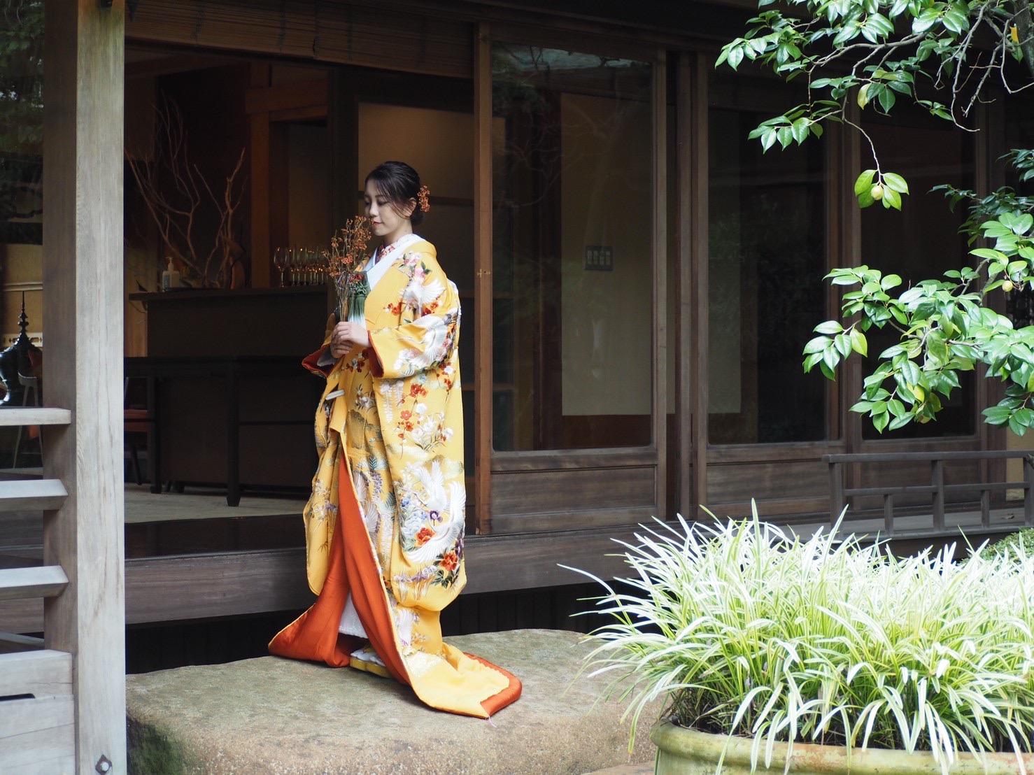 ザ・トリートドレッシング神戸店が提携している蘇州園に映える色打掛のご紹介