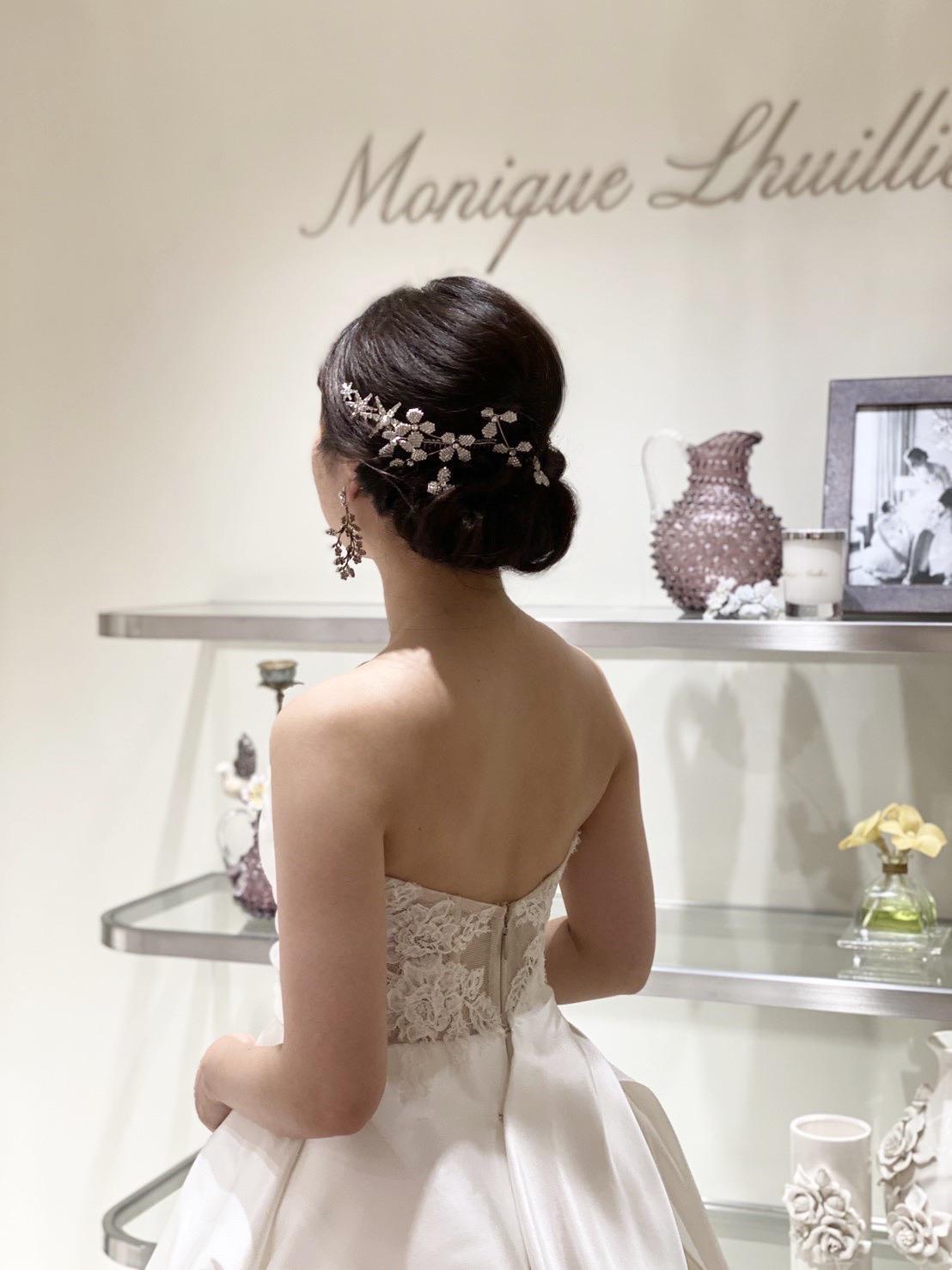 元なでしこジャパン代表の丸山桂里奈さんに結婚記者会見にてご着用いただいたウェディングドレス。マイナビウェディングのステージでもご着用頂きました。