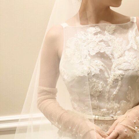 エリーサーブブライドのレースのウェディングドレスを着てオリエンタルホテル神戸で上質な大人ウェデイングを