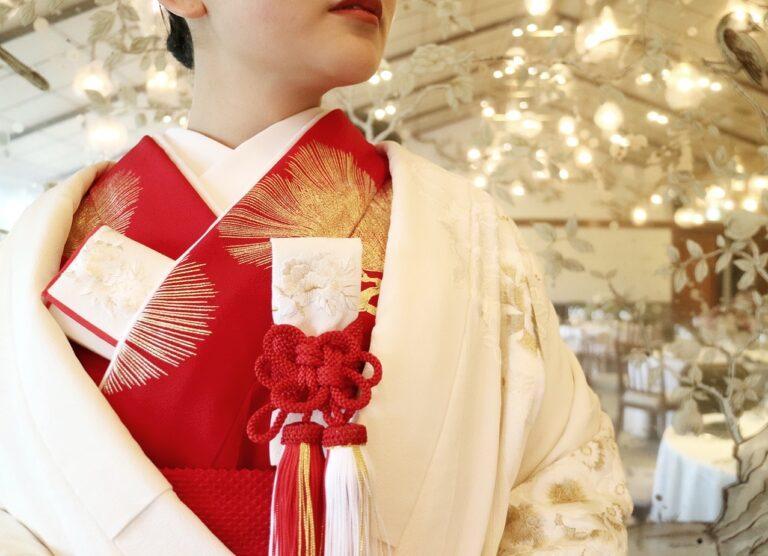 THE SODOH HIGASHIYAMA KYOTO(ザ ソウドウ ヒガシヤマ キョウト)におすすめの和装コーディネートのご紹介 ~金刺繍の白無垢、赤色と灰色の色掛下~