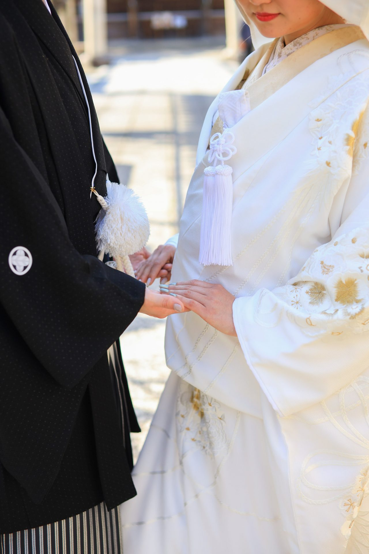 春日神社にて神前式をされる新郎新婦様におすすめの和装コーディネート