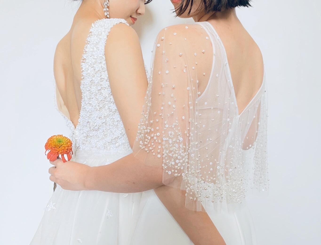FGK花嫁に提案したい刺繍や華やかなビーディングの透明感あふれるVラインのウェディングドレス