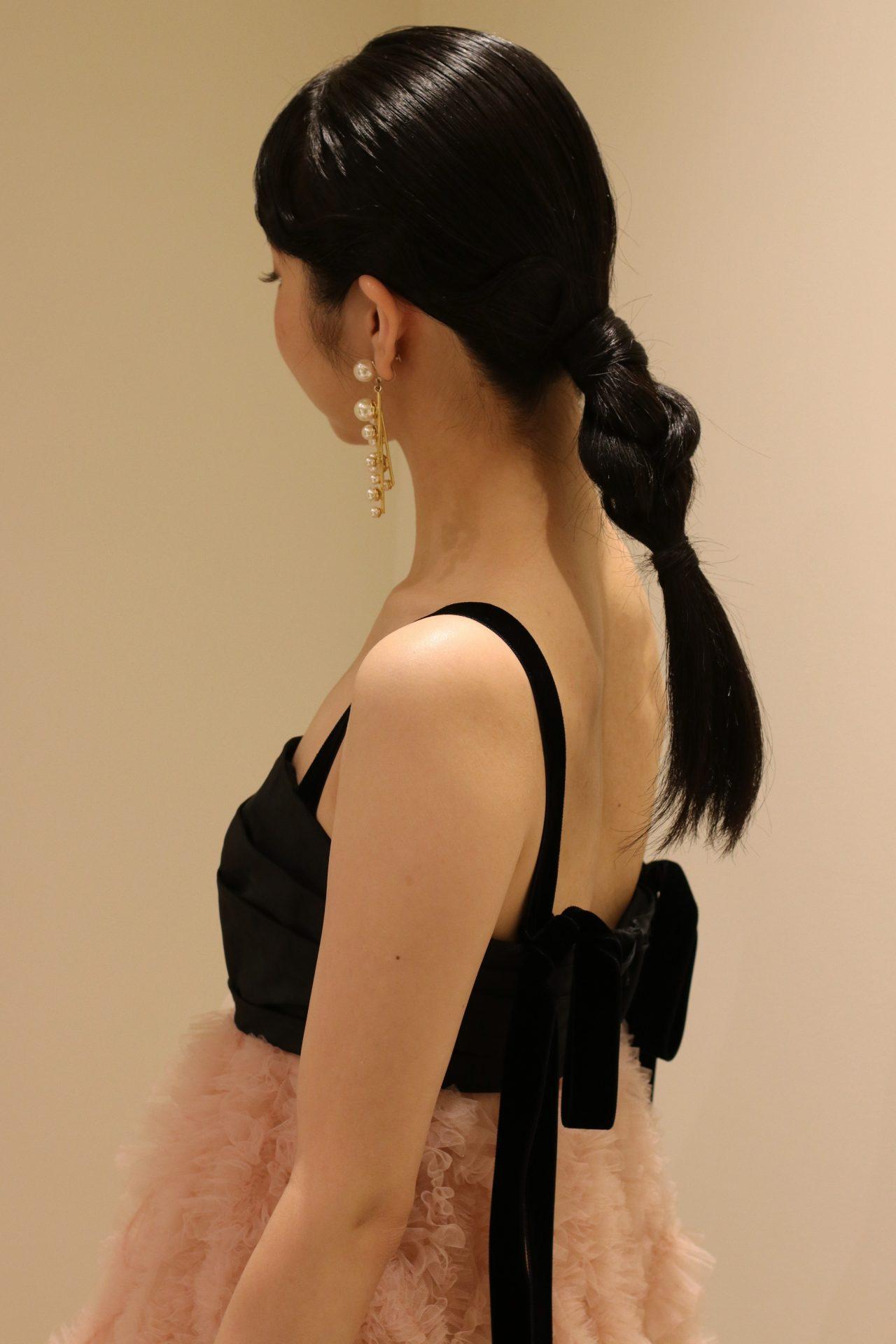 東京表参道にあるドレスショップ、ザ・トリート・ドレッシングではトモコイズミとのコラボレーションで有名なトリート・メゾンの新作カラードレスをお取り扱いしています