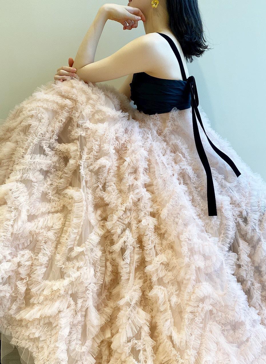 お色直しにおすすめのトリート・メゾンの華やかなチュールが美しいオリジナルのカラードレス
