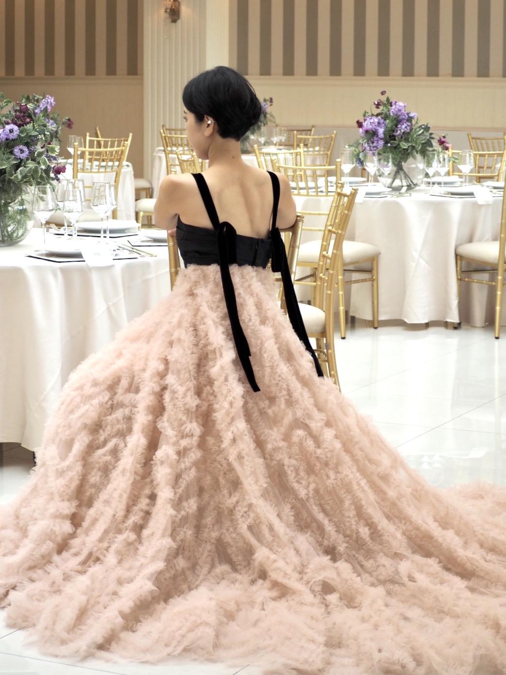 ザ・トリート・ドレッシング神戸店が提携する北野クラブ・ソラのグレース・ヴィラにおすすめのトリート・メゾンのカラードレスのご紹介