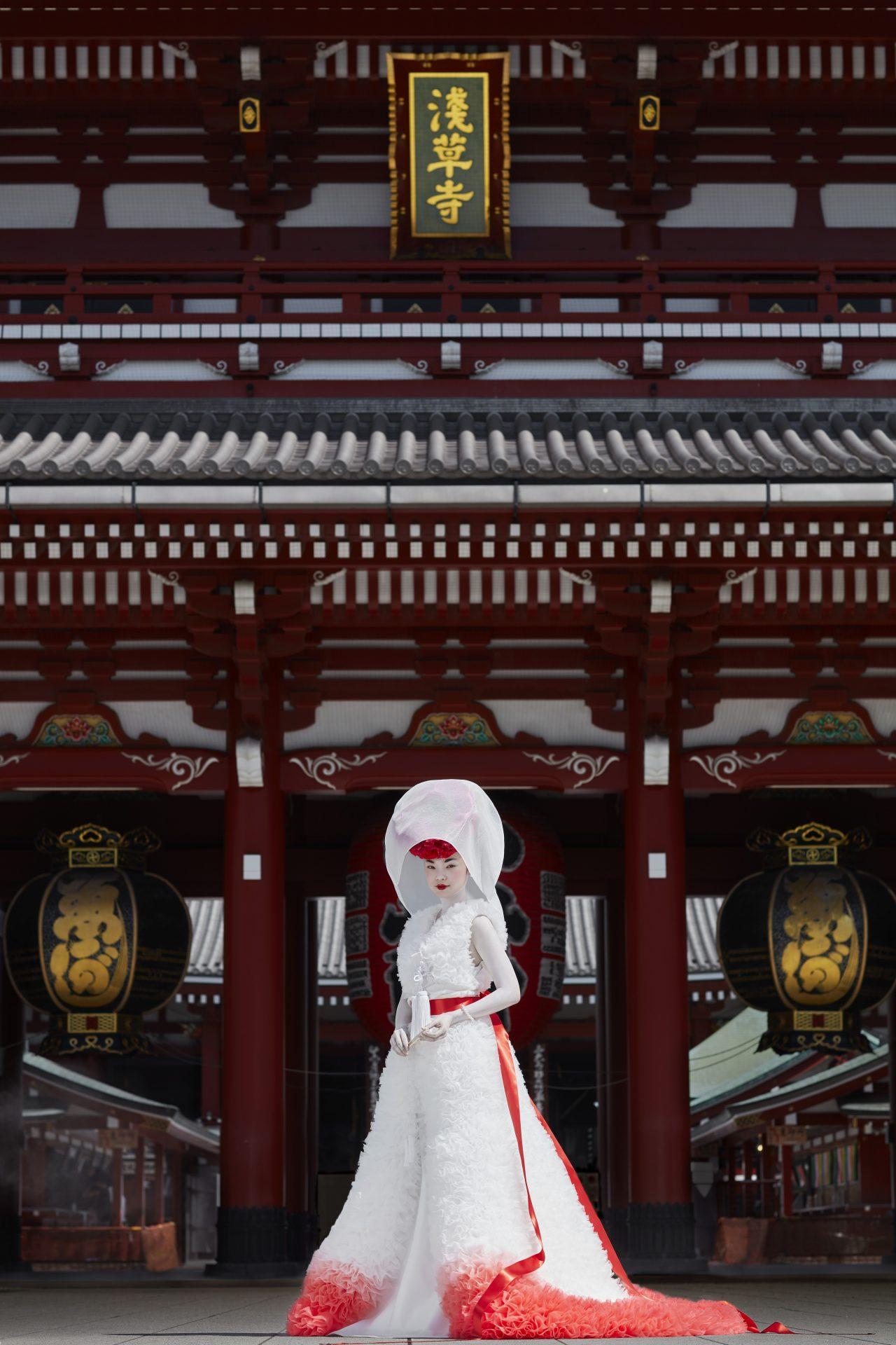 TOMO KOIZUZMI for TREAT MAISON(トモ コイズミ フォー トリート メゾン)ウェディングカプセルコレクション2021のルック紹介。