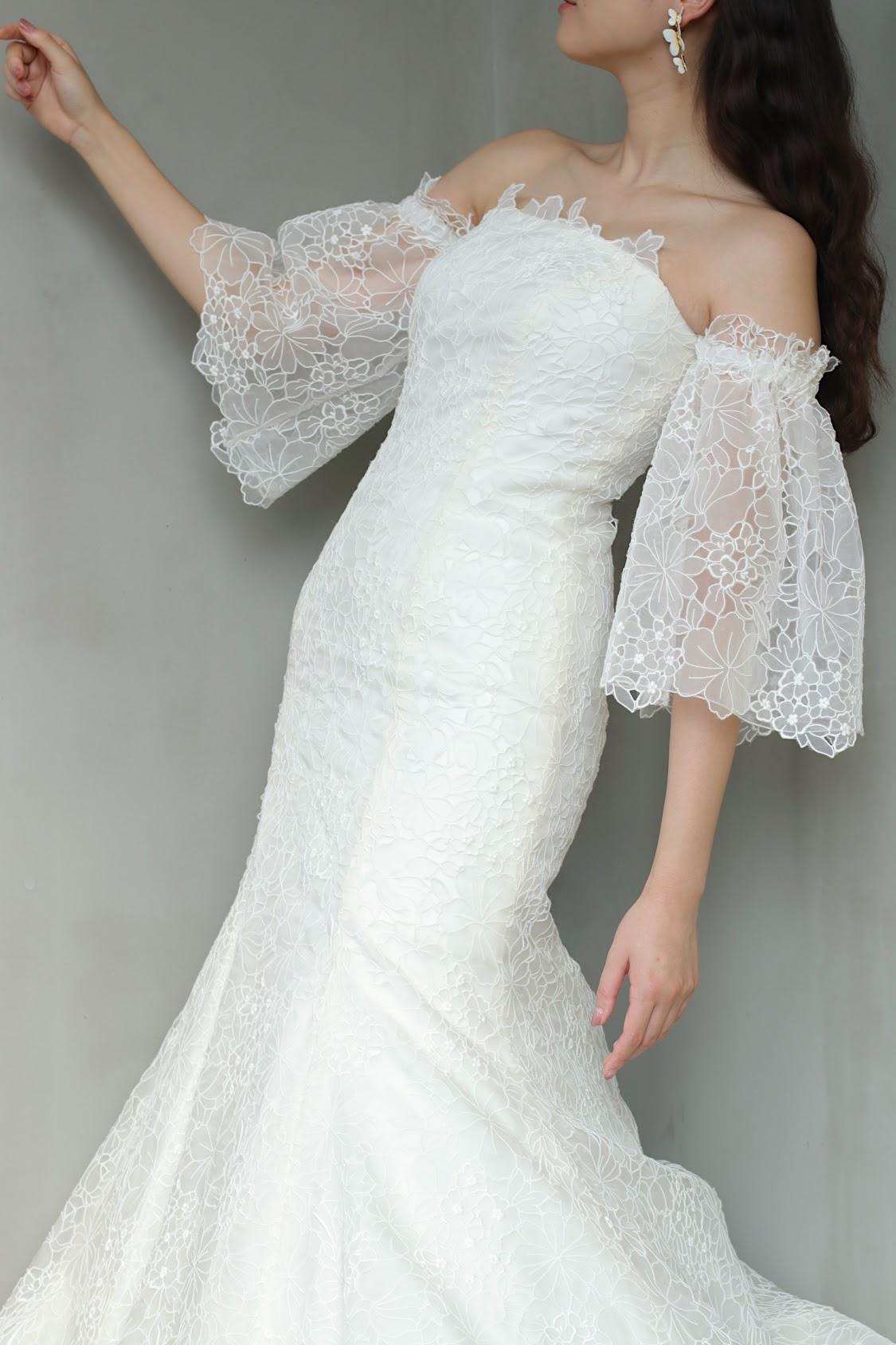 インポートドレスが揃うTHETREATDRESSING アディション店に、世界のトップブランドであるキャロリーナ・ヘレラの総レースでマーメイドラインの最旬トレンドの新作ウェディングドレスが入荷いたしました