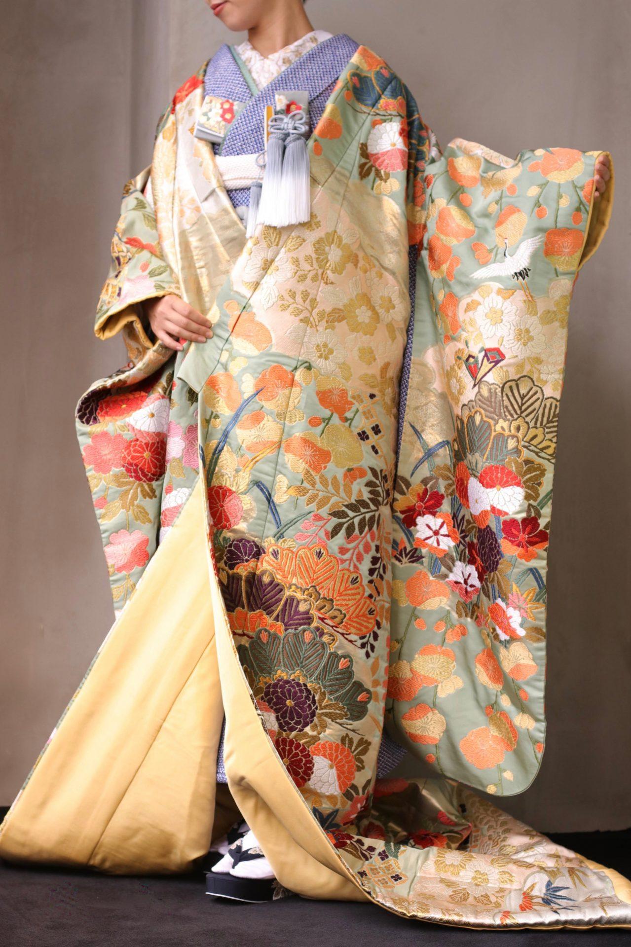 ザ・トリート・ドレッシング アディション店の新作の和装は、提携会場パレスホテル東京の花嫁様にオススメしたい華やかでお洒落な色打掛で、ホテルウェディングらしい大人なコーディネートでまとめました